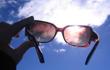 Vergeet  je zonnebril niet!