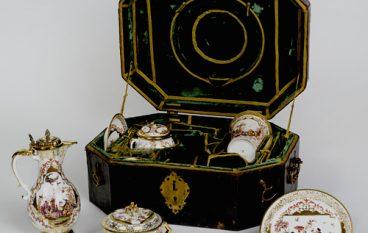 Tassenmuseum Hendrikje  pakt uit met tentoonstelling Royal Bags