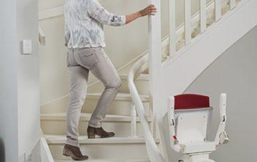 Zes redenen waarom een traplift uw veiligheid vergroot